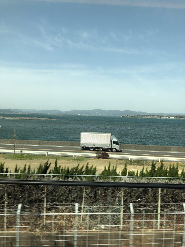 車窓からの浜名湖 画像