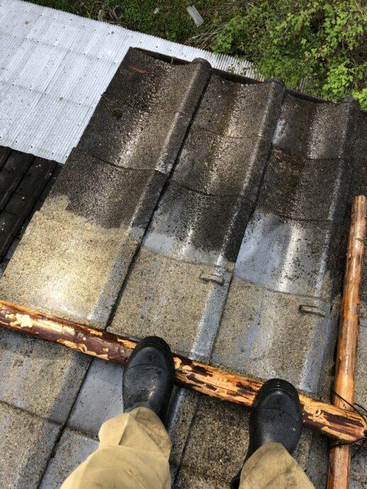 セメント屋根補修のための洗浄画像