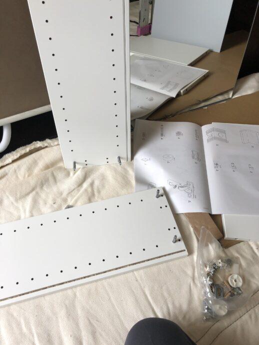 組み立て家具組み込み作業画像